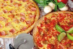 Dos pizzas gigantes con bebida