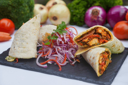 Pollo Tikka Huevo Burrito Kaathi