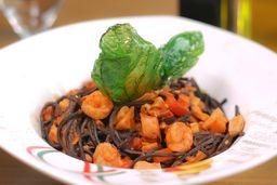 Spaghetti Negro con Mariscos