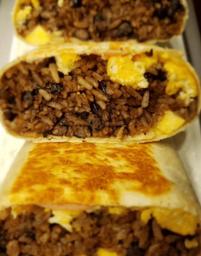 Burrito de Huevo, Salchilla y Queso Amarillo