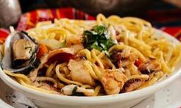 Spaguetti Saltado de Camarón